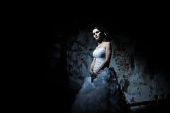 Mujer vestida como novia Fotografía de archivo