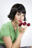 Mujer y frutas imagen de archivo libre de regalías