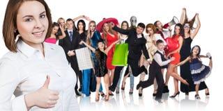 Mujer y grupo grande de gente feliz imágenes de archivo libres de regalías