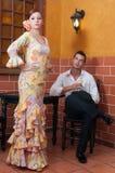 Mujer y hombre durante Feria de Abril en April Spain Imágenes de archivo libres de regalías