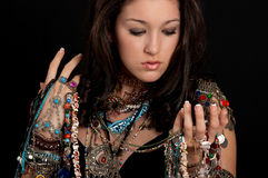 Mujer y joyería Imagen de archivo libre de regalías