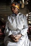 Mujer y manos africanas Imagen de archivo
