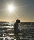 Mujer y mar Fotografía de archivo libre de regalías