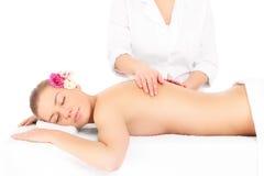 Mujer y masaje Fotografía de archivo libre de regalías