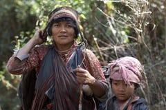 Mujer y niños 2 de Tamang Imágenes de archivo libres de regalías
