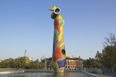 Mujer y pájaro, Juan Miro, Barcelona, España Imágenes de archivo libres de regalías