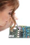 Mujer y tecnología   Imagen de archivo