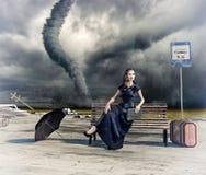 Mujer y tornado Fotos de archivo