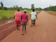 Mujeres aborígenes de Tiwi, Australia Imagenes de archivo