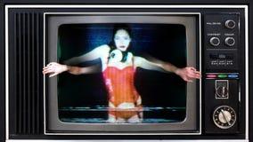 Mujeres atractivas del partido de la televisión almacen de metraje de vídeo
