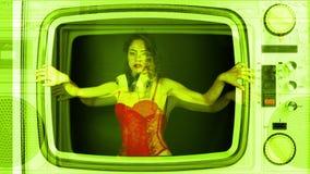Mujeres atractivas del partido de la televisión almacen de video
