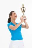 Mujeres con el trofeo del deporte. imagen de archivo libre de regalías