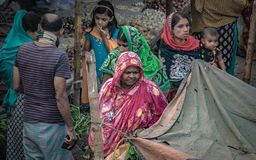 Mujeres con forma de vida diaria en Bangladesh foto de archivo