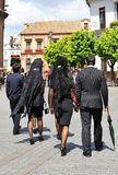 Mujeres con la mantilla, semana santa en Sevilla, Andalucía, España Imagen de archivo