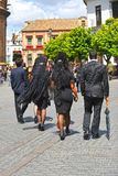 Mujeres con la mantilla, semana santa en Sevilla, Andalucía, España Imagen de archivo libre de regalías