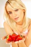 Mujeres con las frutas Imagen de archivo libre de regalías