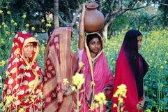 Mujeres de la aldea. Fotos de archivo libres de regalías