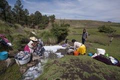 Mujeres de Mazahuas imágenes de archivo libres de regalías