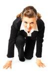 Mujeres de negocios en la posición de comienzo lista para la raza Imagen de archivo libre de regalías