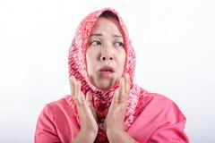 Mujeres de negocios musulmanes asi?ticas que llevan el hijab foto de archivo libre de regalías