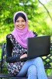 Mujeres de un musulmán de los jóvenes Foto de archivo