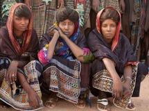Mujeres de Wodaabe durante la curación Salee, Niger Imagenes de archivo