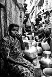Mujeres desesperadas en escasez del agua Fotos de archivo libres de regalías