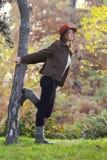 Mujeres en el bosque del otoño Imagen de archivo