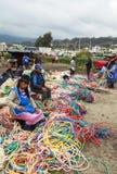 Mujeres en el mercado de Saquisili en Quito Fotografía de archivo
