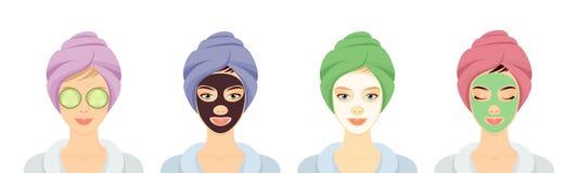 Mujeres en un balneario con diverso sistema de las mascarillas foto de archivo
