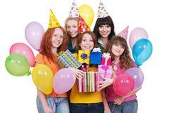 Mujeres felices con los regalos y los globos Fotografía de archivo libre de regalías