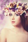 Mujeres hermosas en guirnalda. Imágenes de archivo libres de regalías
