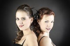 Mujeres jovenes atractivas Fotos de archivo libres de regalías