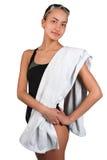 Mujeres jovenes delgadas deportivas con la toalla Fotografía de archivo