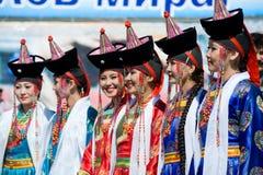 Mujeres jovenes en el convenio de los Mongolians del mundo Imágenes de archivo libres de regalías