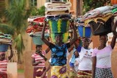 Mujeres Mopti Foto de archivo