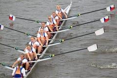Mujeres ocho - 100a raza del rowing de Primatorky Fotografía de archivo