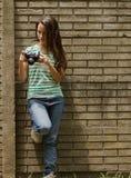 Mujeres que toman imágenes Imagen de archivo libre de regalías