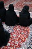 Mujeres veladas en mezquita Fotos de archivo