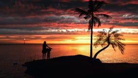 Mujeres y bicis que se colocan en la playa en la puesta del sol libre illustration