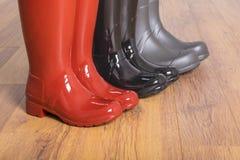 Mujeres y las botas de goma #3 de los hombres imagen de archivo libre de regalías