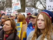 Mujeres y manifestantes de los hombres Foto de archivo