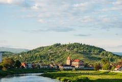 Mukacheve, Ουκρανία - 8 Μαΐου 2015: Άποψη σχετικά με το βουνό Chernecha Στοκ Εικόνα