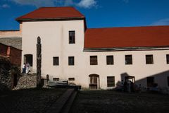 Mukacheve -乌克兰, 2009年7月26日:Palanok城堡XI世纪 库存图片