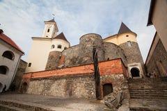 Mukacheve - Ucrania, el 29 de septiembre de 2009: Siglo del castillo XI de Palanok Imagen de archivo