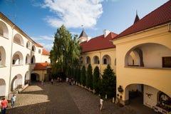 Mukacheve - Ukraina, JULI 26, 2009: Århundrade för Palanok slott XI Arkivfoto