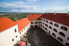 Mukacheve - Ukraina, JULI 26, 2009: Århundrade för Palanok slott XI Royaltyfri Fotografi