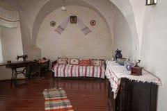 Mukacheve - Ukraina, JULI 26, 2009: Inre av århundradet för Palanok slott XI Royaltyfria Bilder