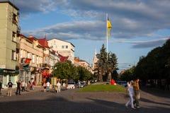 Mukacheve - Ukraine, am 26. Juli 2009: Mitte der Stadt Mukacheve Lizenzfreie Stockbilder