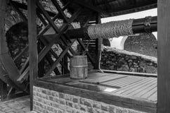 MUKACHEVO, DE OEKRA?NE - MAG, 2019: Oude antiquiteit goed in het Palanok-kasteel dichtbij Mukachevo royalty-vrije stock foto's